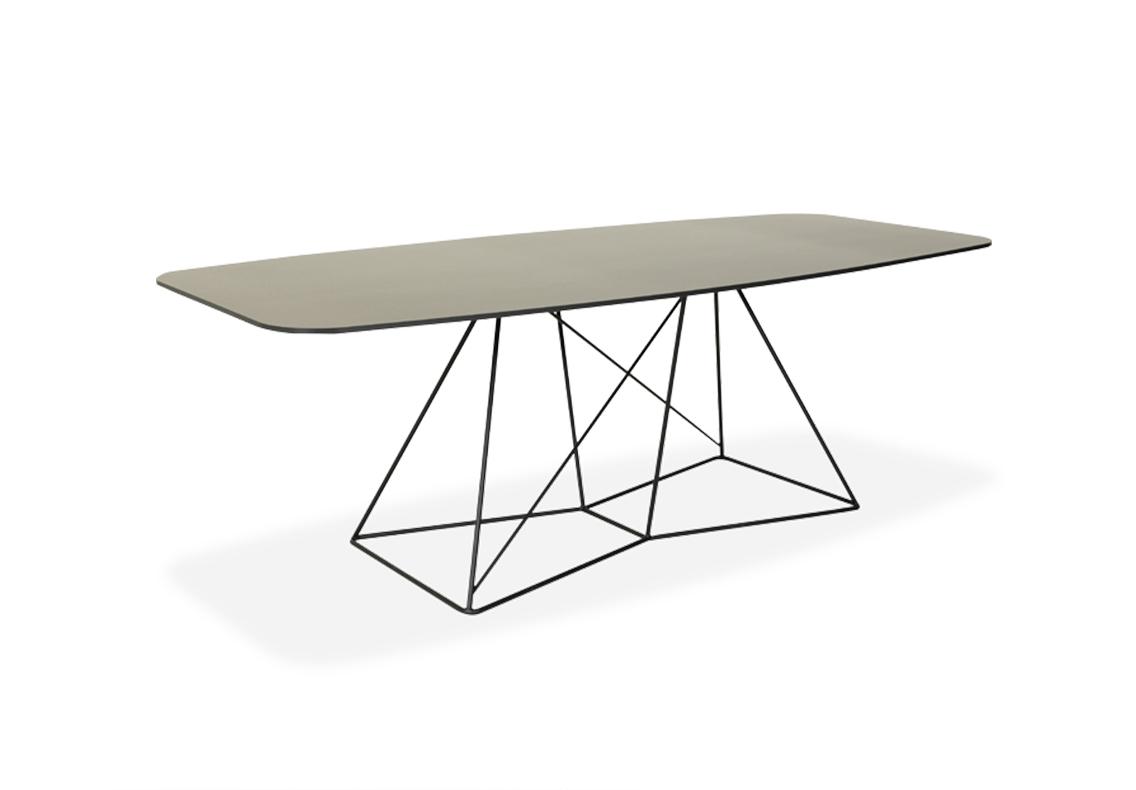 langer Tisch